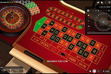 In-game Auto Roulette table view at Clover Casino