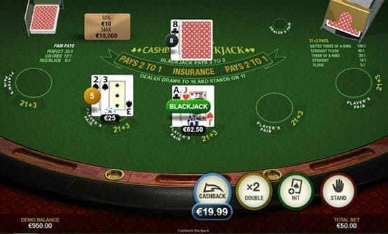 Playing a hand of the Cashback Blackjack game by Playtech.