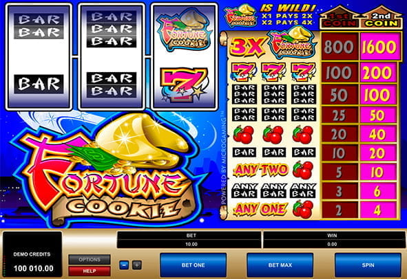 A winning payline highlighted in the Fortune Cookie slot game from Microgaming.