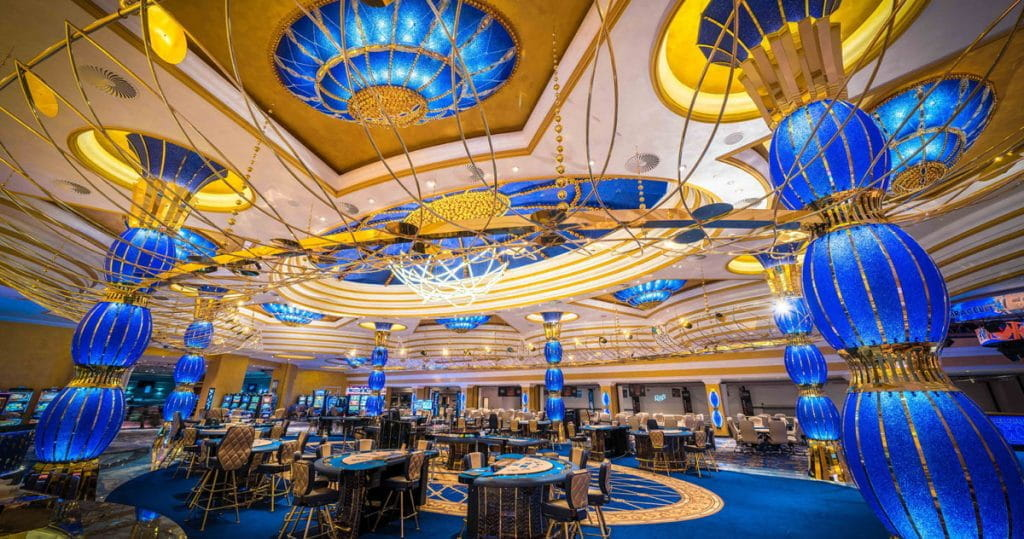 King's casino in Rozvadov, there is an opulent room with tables and sculptures.