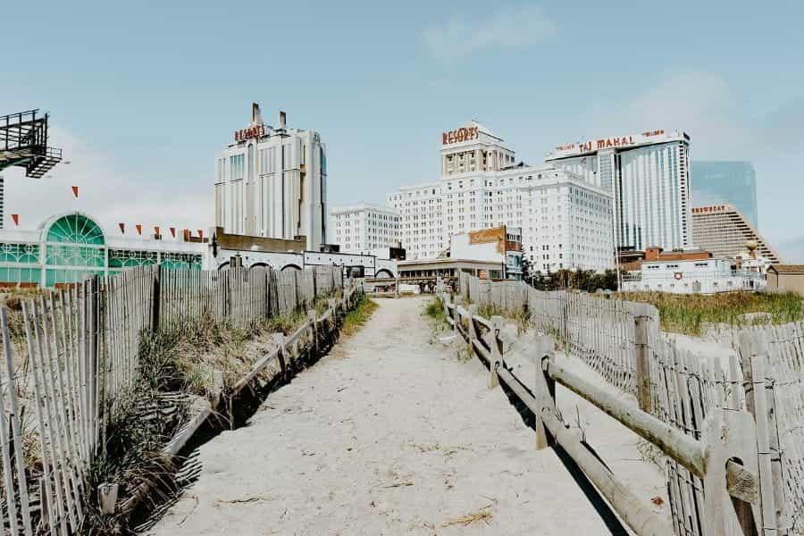 Pantai berpasir di Atlantic City, New Jersey.
