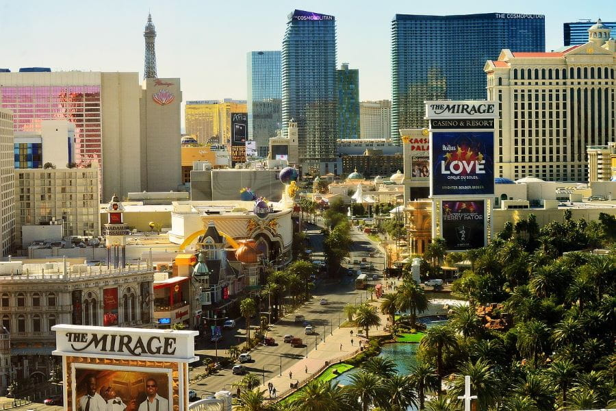 Las Vegas Strip pada siang hari.