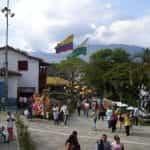 Lapangan umum di Medellín, Kolombia.
