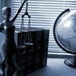 Hukum dan dunia.