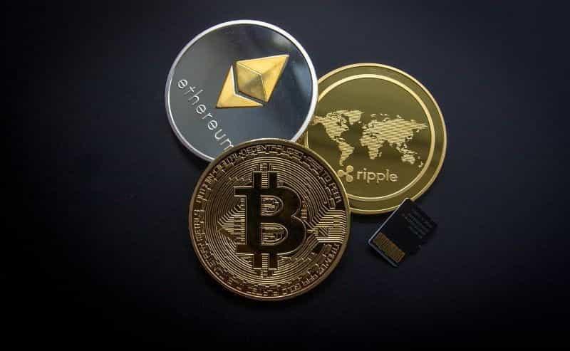 Cryptocurrency seperti Bitcoin, Ethereum dan Ripple.