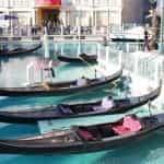Gondola di kanal kasino resor Venesia di Las Vegas, Nevada.