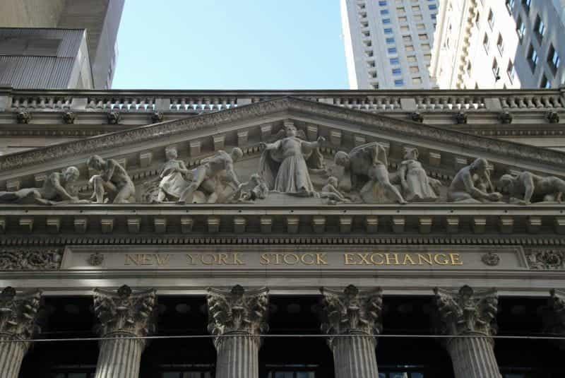 Bagian luar Bursa Efek New York di New York, New York.