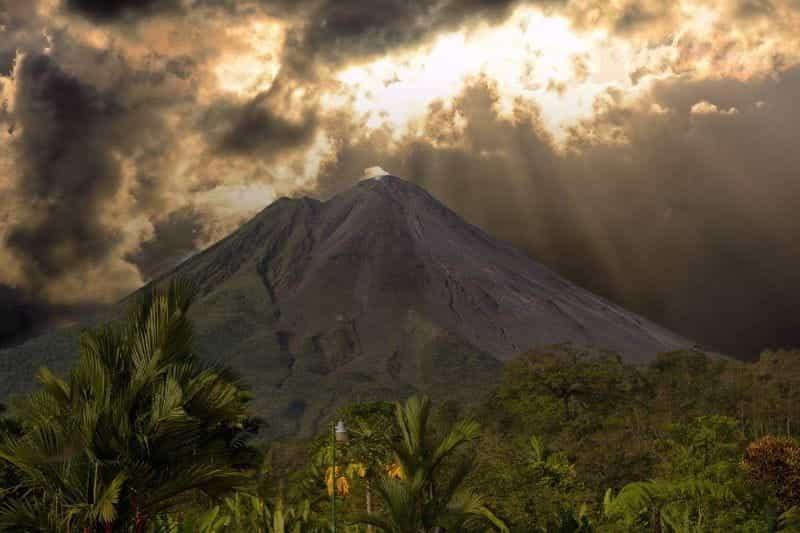 Di gunung berapi di Kosta Rika.