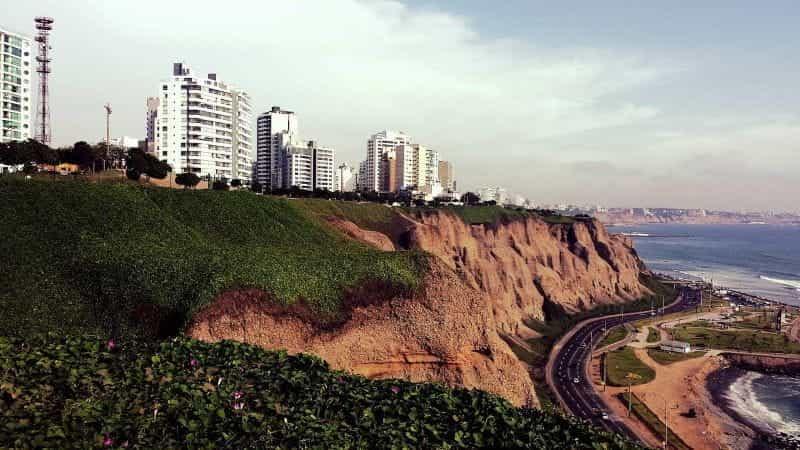 Garis pantai di Lima, Peru.