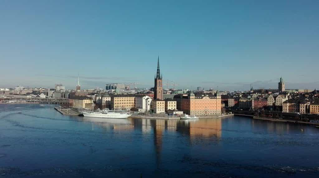 Pemandangan pusat ibu kota Swedia, Stockholm, dari air.