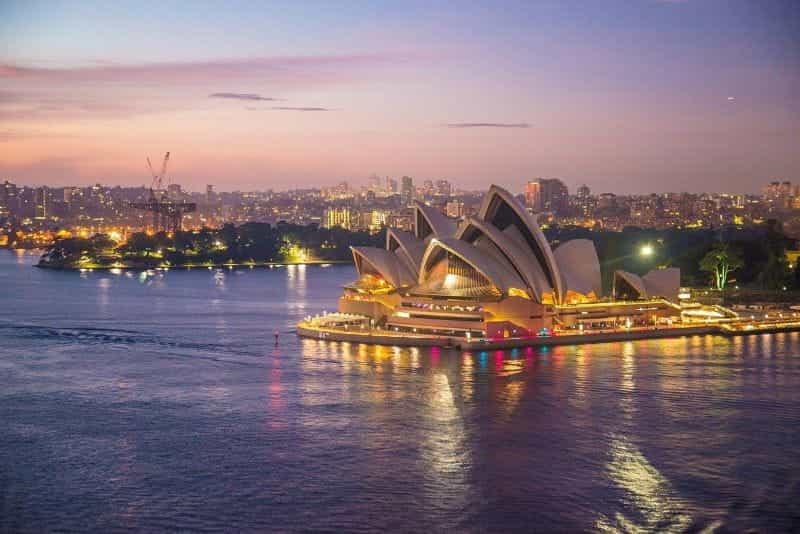 Sydney Opera House di Malam Hari.