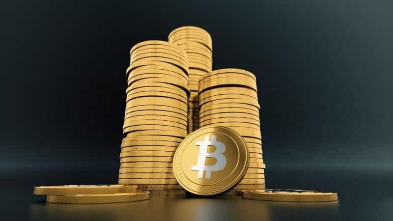 Bitcoin menumpuk tinggi.
