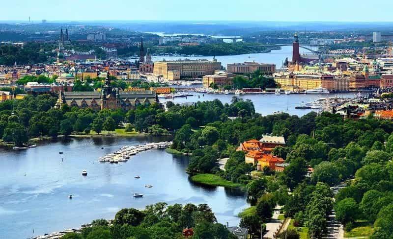 Ibu kota Swedia, Stockholm, selama musim panas.
