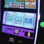 Mesin slot di kasino.