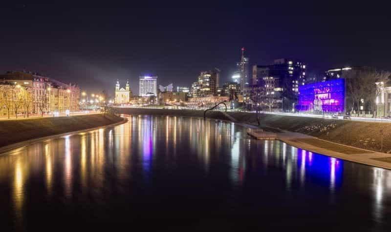 Ibu kota Lituania, Vilnius pada malam hari.