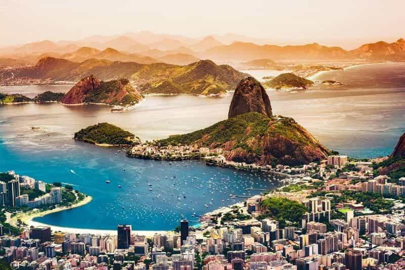 Tepi pantai kota utama Brasil, Rio de Janeiro.