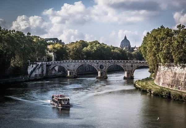 arsitektur pemandangan Roma.