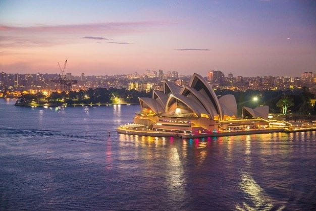 Gedung opera Sydney di pelabuhan.