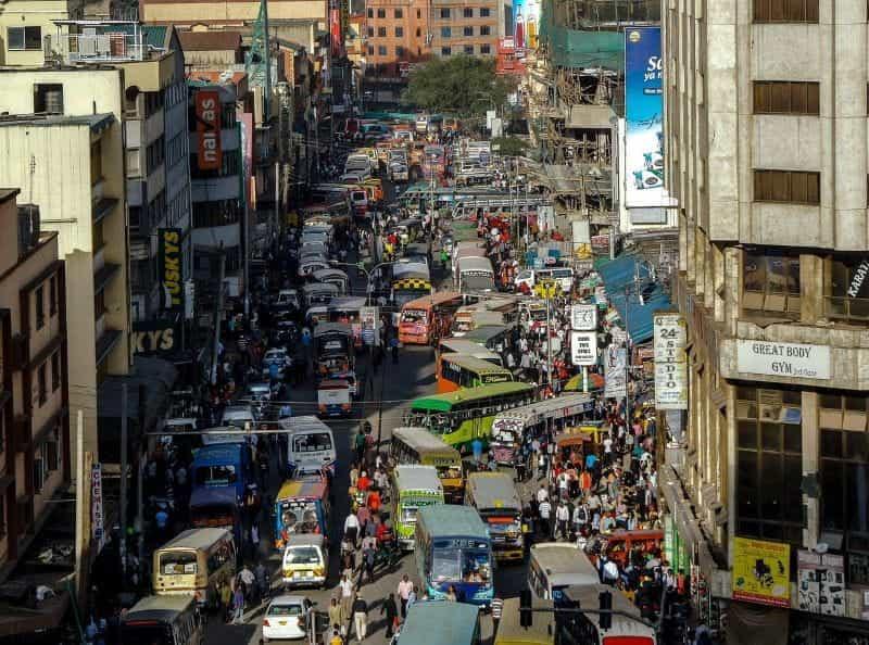 Jalan utama Nairobi.